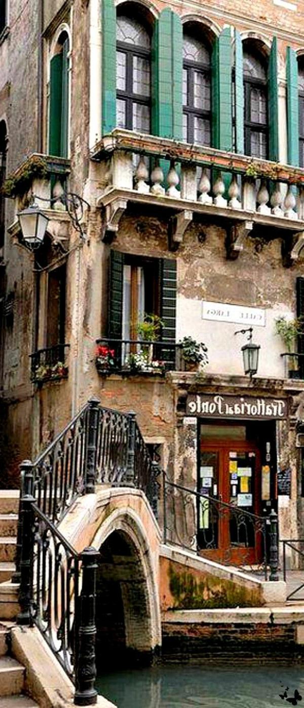 le-Canal-à-venice-histoire-église-basilique-Venise