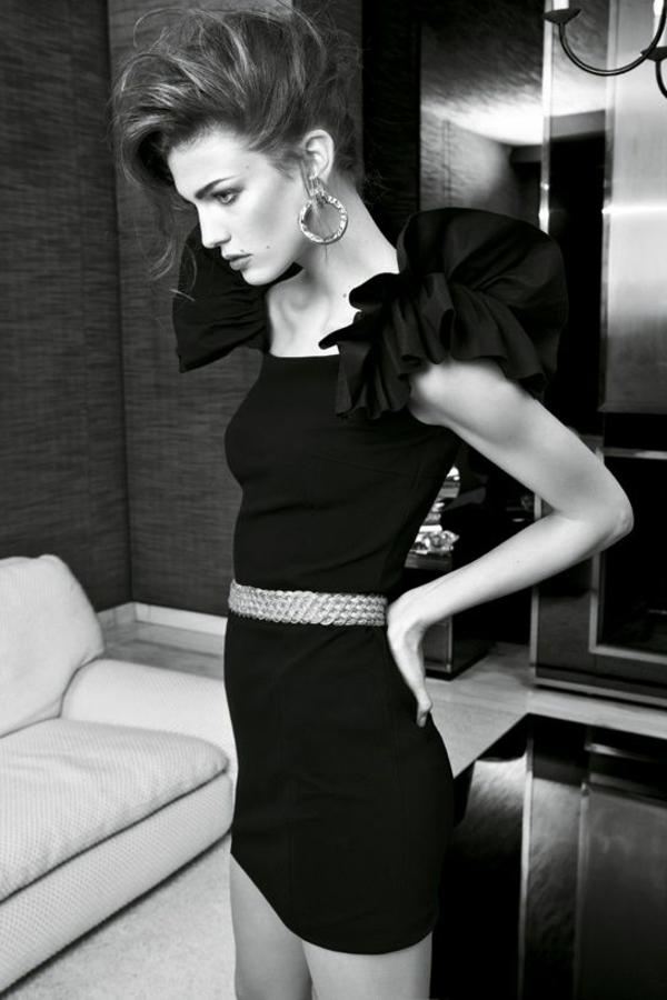 les-modeles-portent-la-petite-robe-noire-guerlain