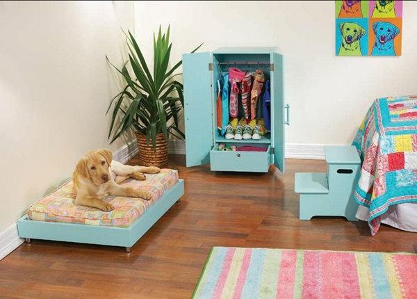 lit pour chien et une armoire mignonne pour chien