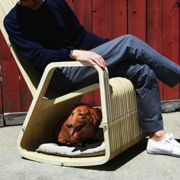 lit-pour-chien-un-lit-original-sous-une-chaise