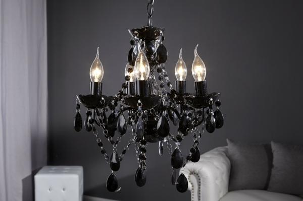 Comment adopter le lustre baroque dans l 39 int rieur de votre maison - Lustre pampilles noir ...