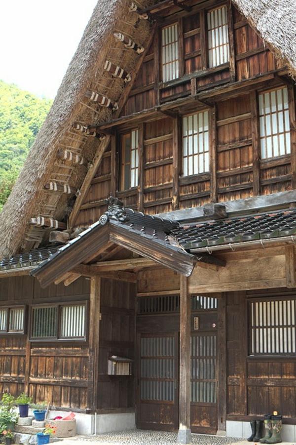 maison-japonaise-grande-en-bois