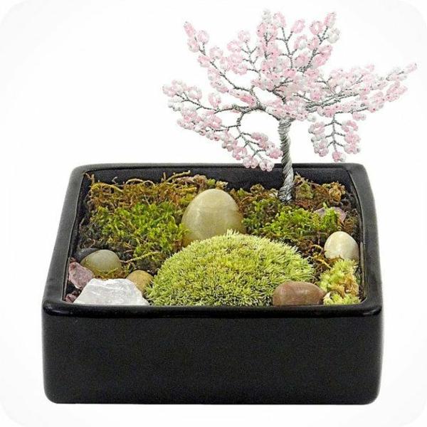 mini-jardin-zen-mousses-vertes-et-bonsai-artificiel