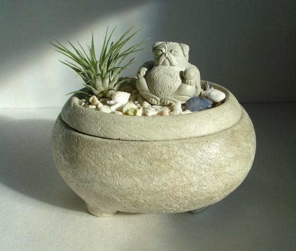 mini-jardin-zen-une-statuette-amusante