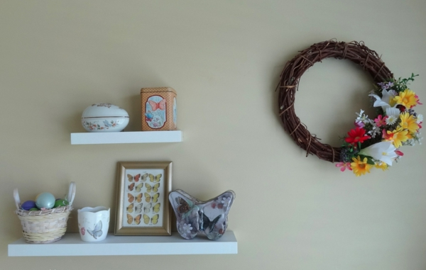 minimalistique-décoration-paques-oeufs-fleurs