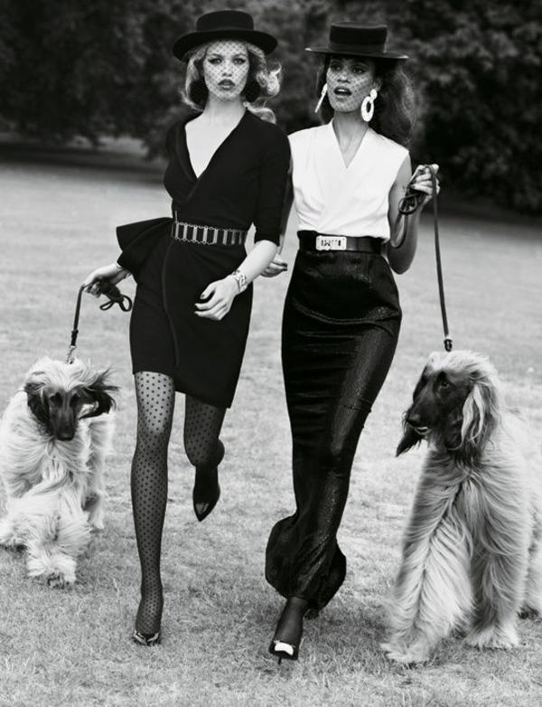 modèles-portent-des-robes-noires
