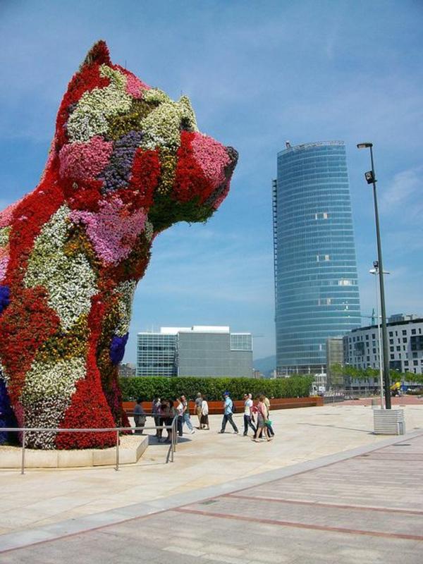 musée-guggenheim-à-bilbao-le-chien-floral