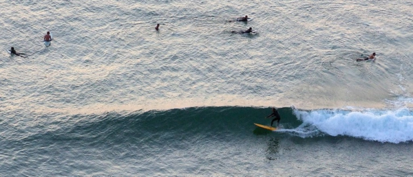 onde-vague-surfeurs-Biarritz