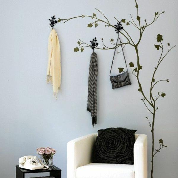 originale-idée-créative-pour-un-porte-manteau-sofa