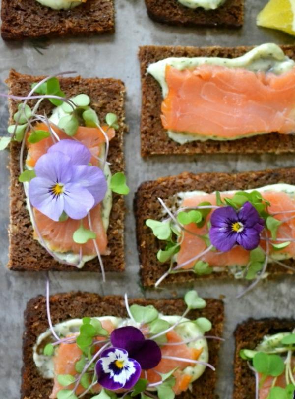 pain-noir-saumone-fleurs-mangables-sandwich-déli