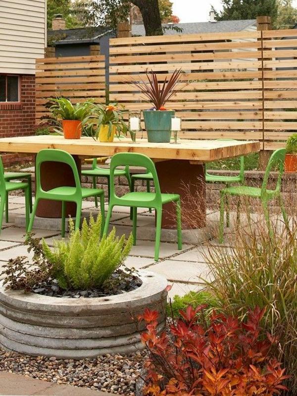 panneau-occultant-de-jardin-des-lattes-horizontales-en-bois