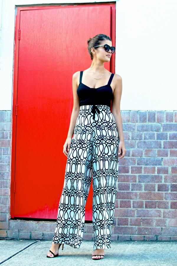 pantalon-fluide-en-noir-et-blanc