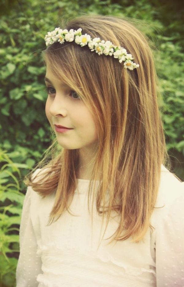 petite-fille-couronne-cheveux