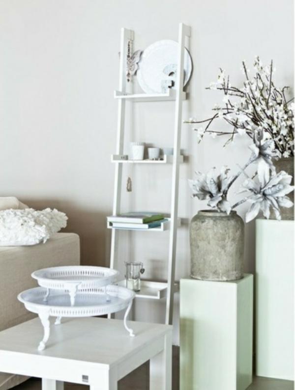 pièce-avec-bibliotheque-blanche-bonifaas-fleures-echelle-resized