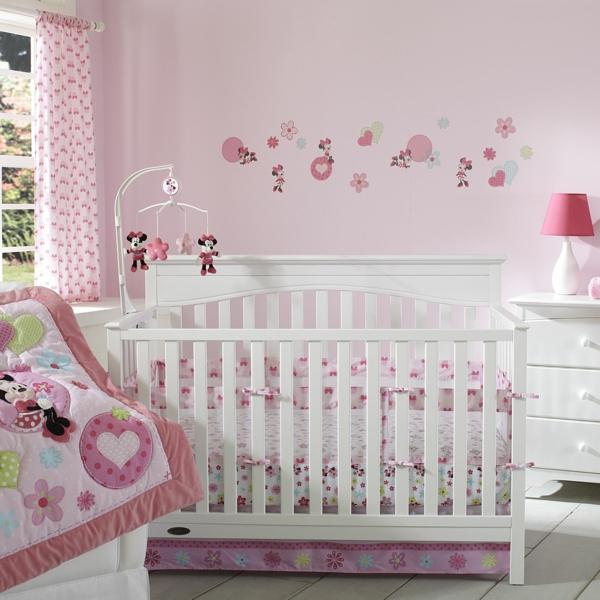 pièce-bébé-fille-s'assoir-playfully-style-minnie-mouse-coeur-et-fleurs-fun-vibrante-rose