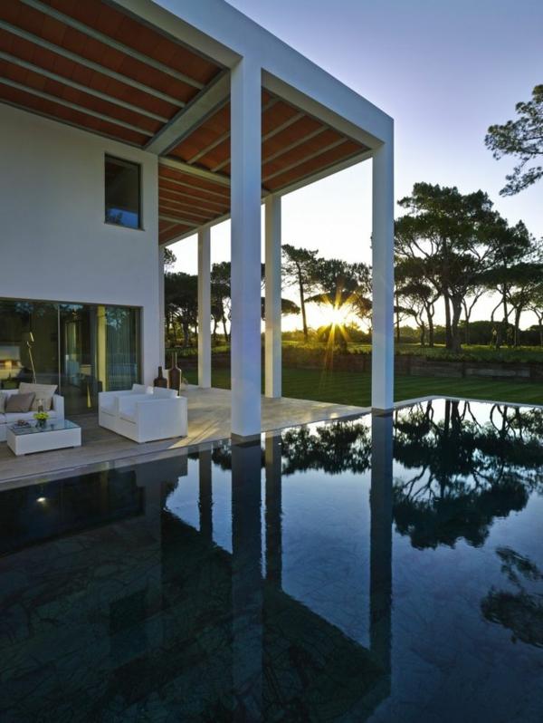 piscine-maison-cour-extraordinair