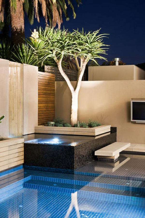 piscine-parfaite-nuit-cour
