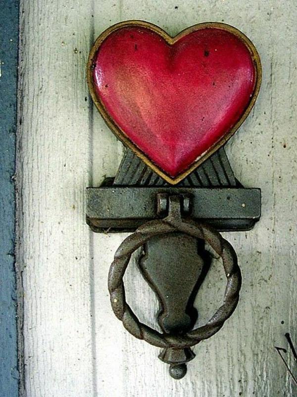poignée-coeur-rouge-porte