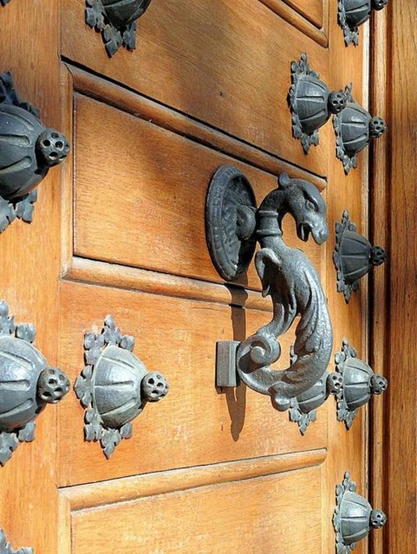 poignée-luxe-porte-gothique