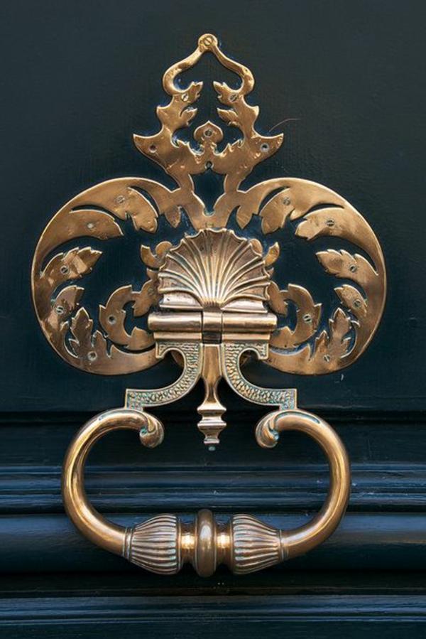poign e de porte d 39 entr e combiner bien avec l ext rieur. Black Bedroom Furniture Sets. Home Design Ideas