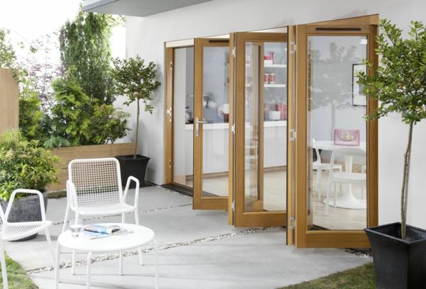 porte-accordéon-vitrée-pour-le-design-d'extérieur