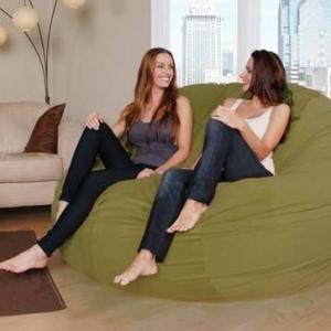 Le pouf géant - un coussin de sol amusant et confortable