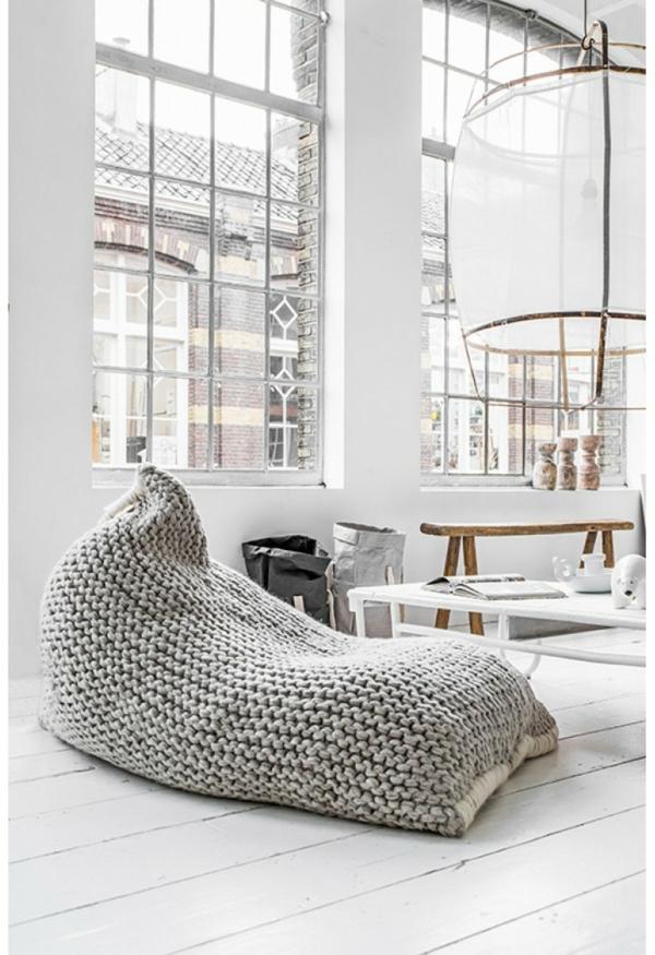 pouf-géant-tricoté-gris