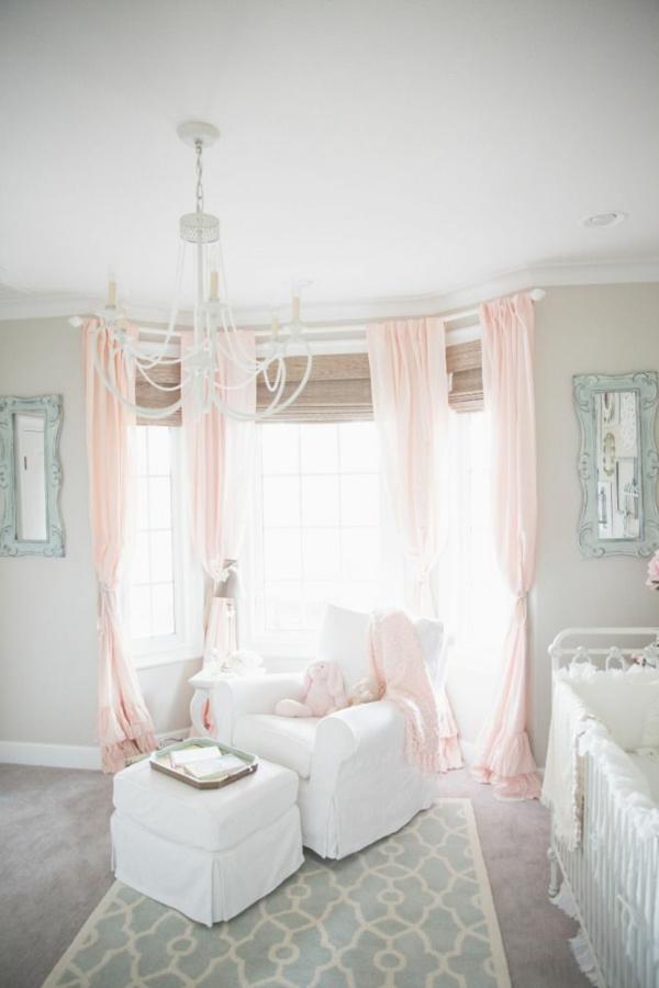 princesse-belle-crèche-pièce-maternelle-jolie-paix-confort-luxe
