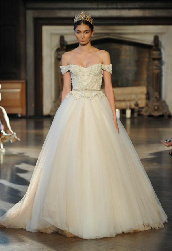 robe-blanc-couronne