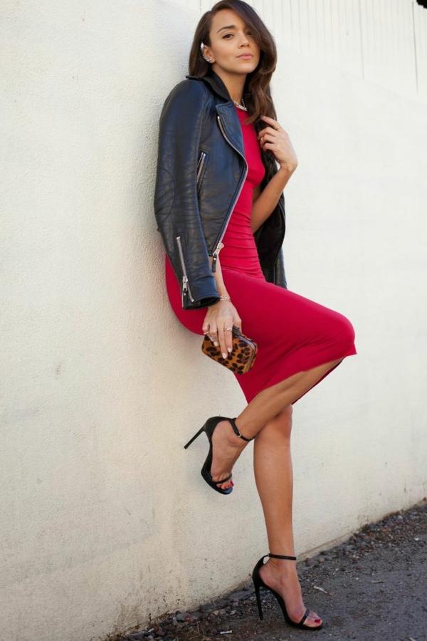 robe-classique-en-rouge-femme