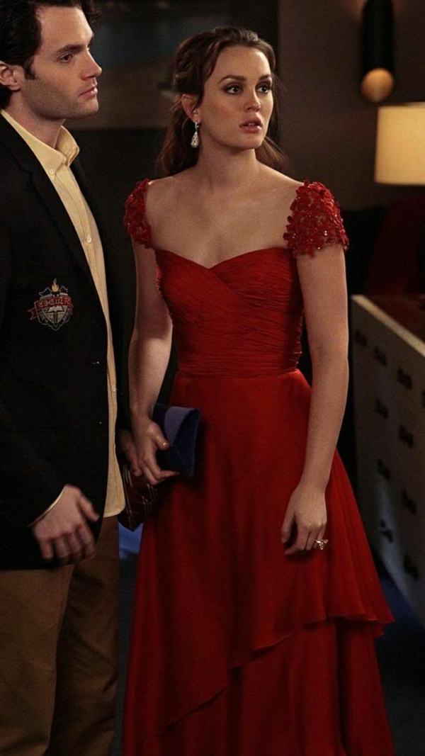 robe-classique-en-rouge-stars