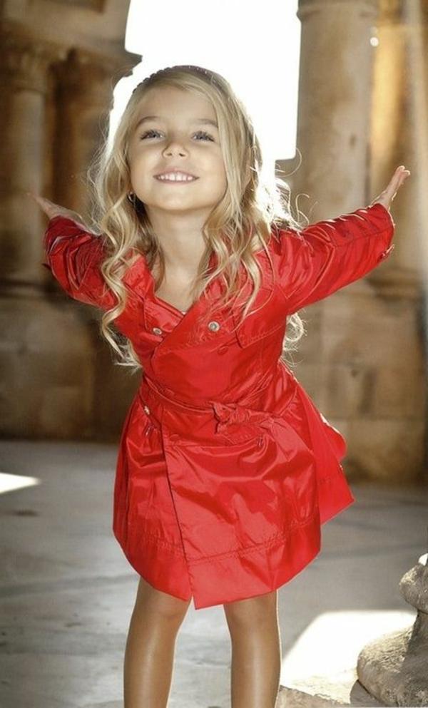 robe-classique-pour-enfant-rouge