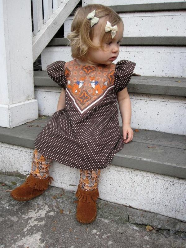 robe-classiques-pour-bébé-blonde