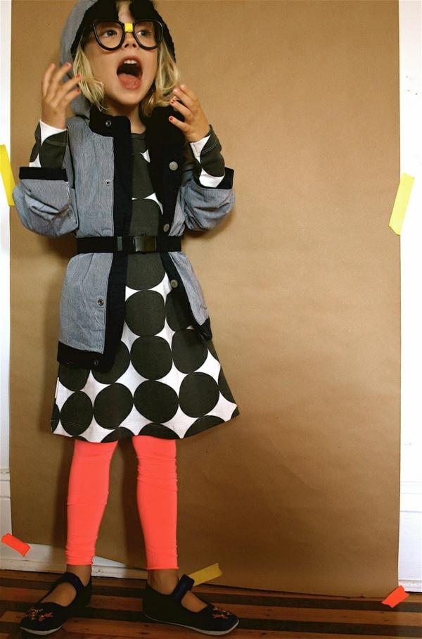 robe-colorée-pour-enfant-blanc-noir