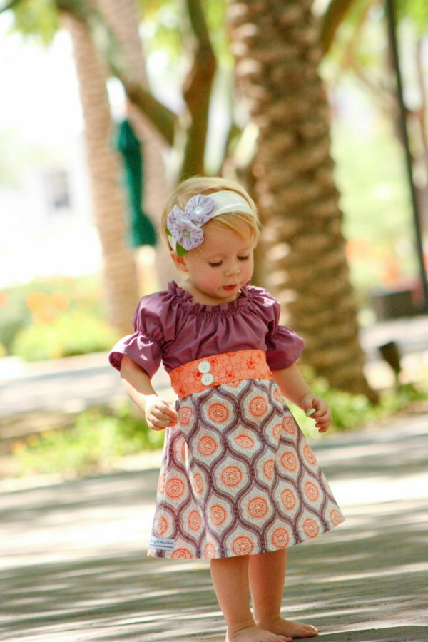 robe-colorée-pour-enfant-moderne