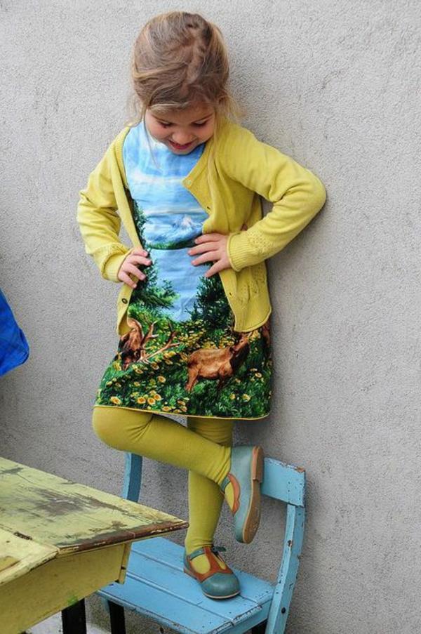 robe-colorée-pour-petit-enfant