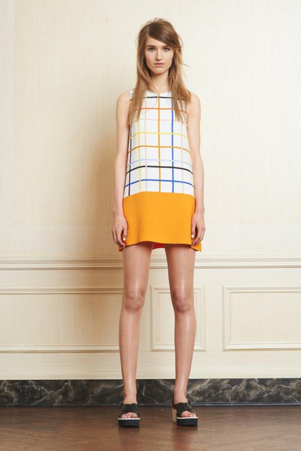robe-courte-flottante-en-forme-trapèze-jolie-figure-poire