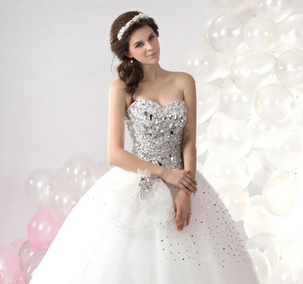 Choisissez la robe bustier pour votre robe de mariée