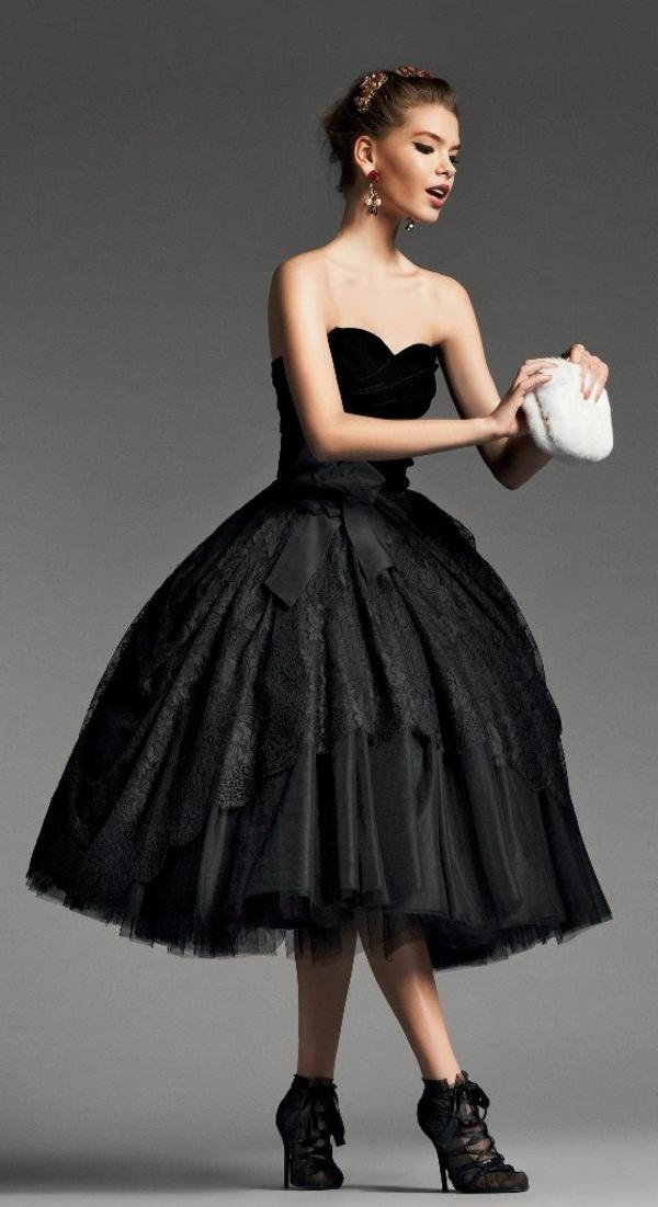 robe-de-soirée-petite-robe-noire-évasée-flotante