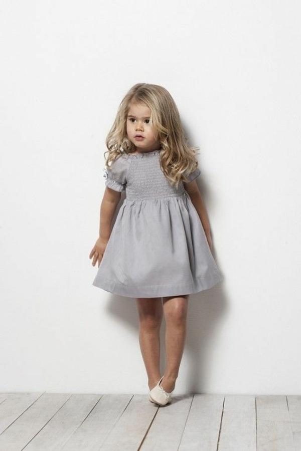 robe de soir e pour enfant voici quelques id es. Black Bedroom Furniture Sets. Home Design Ideas