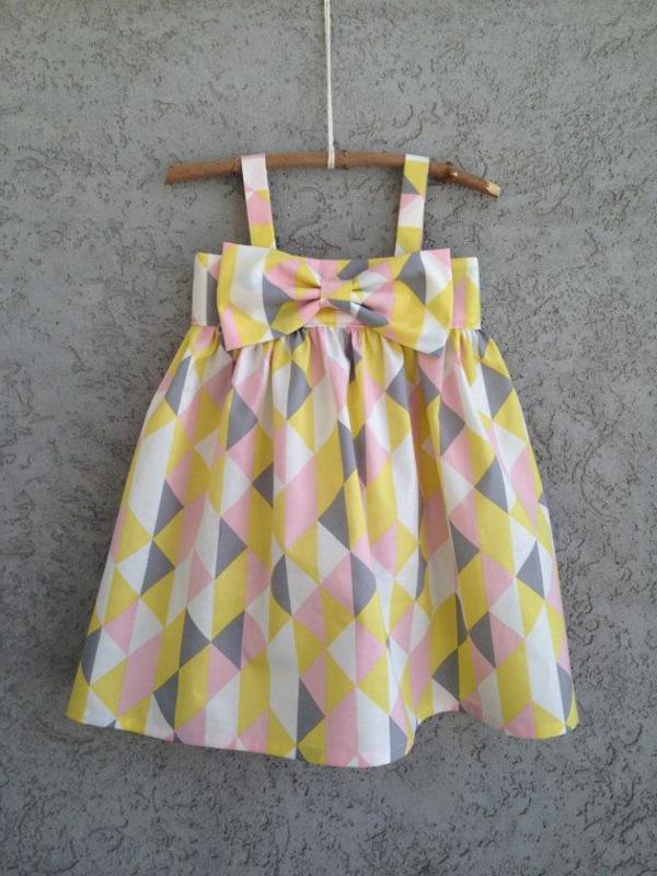 robe-de-soirée-pour-enfant-coloré