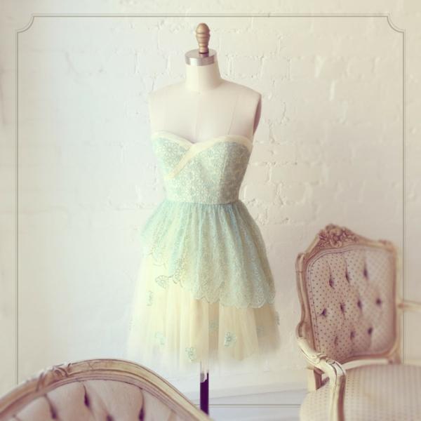 robe-de-soirée-robe-bal-de-promo-jolie-courte-couleur-ciel