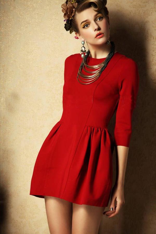 robe-de-soirée-rouge-classique
