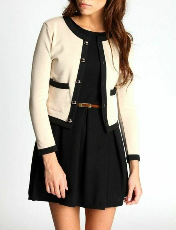 robe-noire-stylée-avec-veste-coco-channel