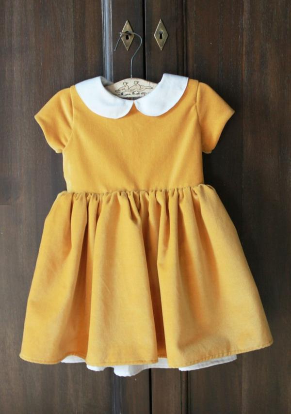 robe-pour-bébé-jaune