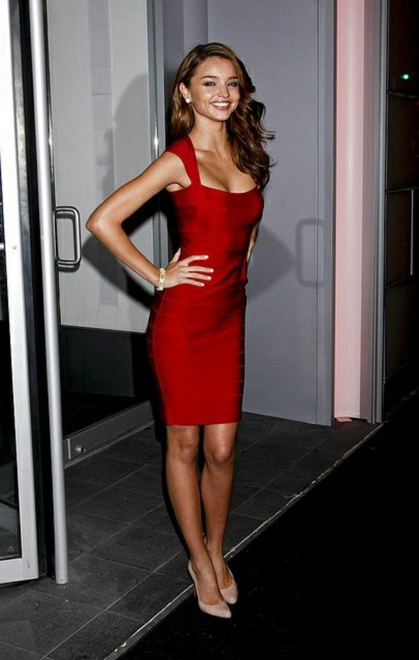 robe-pour-la-nuit-rouge