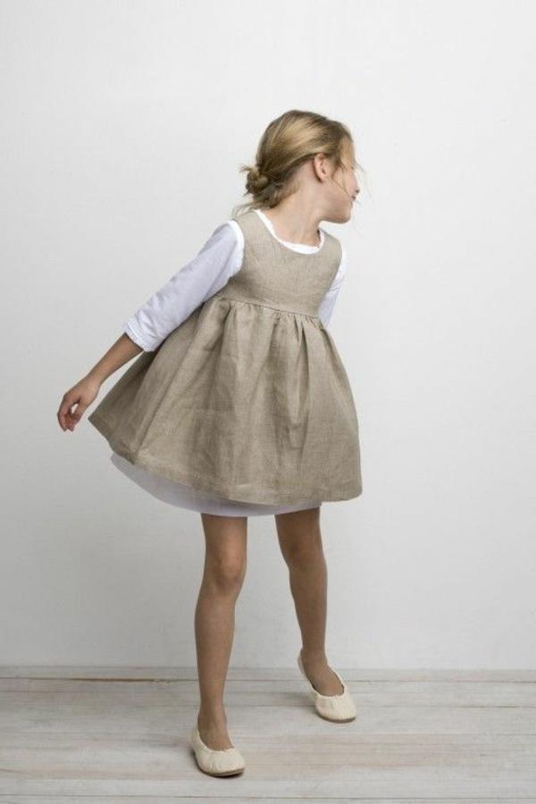 robe-pour-petite-fille-beige
