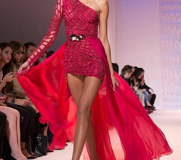 robe-rouge-modèle