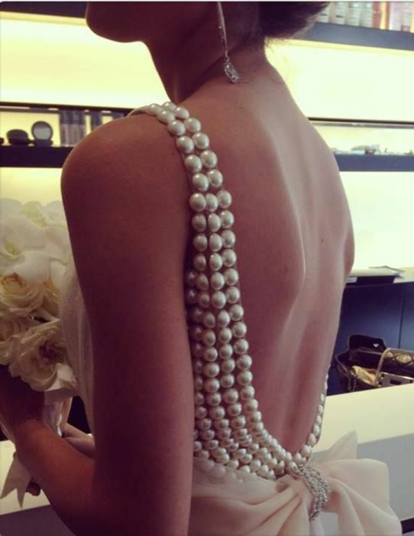 robes-de-mariée-dos-extraordinaire