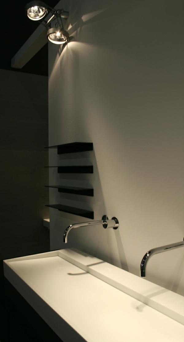 robinet-infrarouge-modern-pour-salle-de-bain